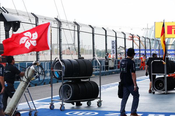 2015 TCR International Series Round 9. Marina Bay Circuit, Singapore. Sunday 20 September 2015. Tyres. World Copyright: Sam Bloxham/LAT Photographic. ref: Digital Image _SBL8804