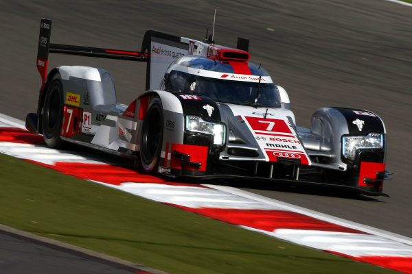 2015 FIA World Endurance Championship, Nurburgring, Germany. 28th - 30th August 2015. Marcel Fassler / Andre Lotterer / Benoit Treluyer Audi Sport Team Joest Audi R18 e-tron quattro. World Copyright: Ebrey / LAT Photographic.