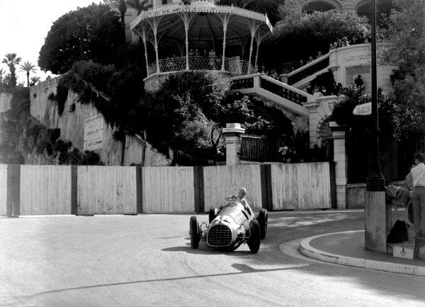 1950 Monaco Grand Prix.Monaco, Monte Carlo. 21st May 1950.Alberto Ascari (Ferrari 125). Ref-C26722.World Copyright: LAT Photographic
