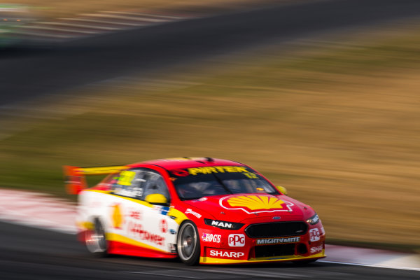2017 Supercars Championship Round 2.  Tasmania SuperSprint, Simmons Plains Raceway, Tasmania, Australia. Friday April 7th to Sunday April 9th 2017. Fabian Coulthard drives the #12 Shell V-Power Racing Team Ford Falcon FGX. World Copyright: Daniel Kalisz/LAT Images Ref: Digital Image 070417_VASCR2_DKIMG_1466.JPG