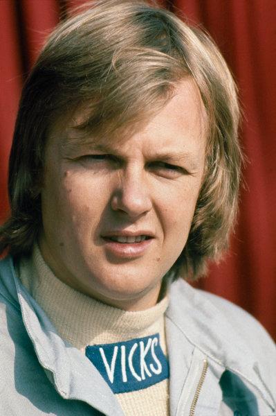Ronnie Peterson (Lotus 72E-Ford), portrait.  World Copyright: LAT Photographic. Ref:  P3A 12
