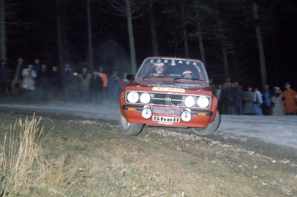 1975 World Rally Championship. Lombard RAC Rally, York, Great Britain. 22nd - 26th November 1975. Roger Clark/Tony Mason (Ford Escort RS1800), 2nd position. World Copyright: LAT Photographic Ref: 35mm transparency 75RAC03