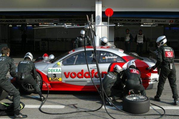 Pitstop of Bernd Schneider (GER), Vodafone AMG-Mercedes, Mercedes-Benz CLK-DTM. DTM Championship, Rd 8, A1-Ring, Austria. 07 September 2003. DIGITAL IMAGE