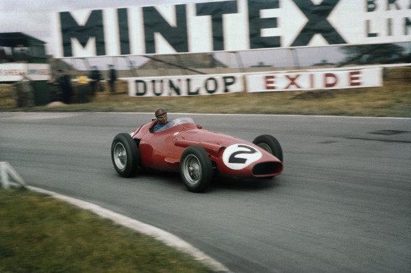 Aintree, England. 18th - 20th July 1957. Rd 4.Juan Manuel Fangio (Maserati 250F), retired, action.World Copyright: LAT Photographic.Ref: 57GB11