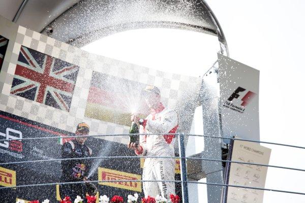 2014 GP3 Series. Round 7.   Autodromo di Monza, Monza, Italy. Sunday 7 September 2014. Alex Lynn (GBR, Carlin) and Dean Stoneman (GBR, Marussia Manor Racing). Photo: Zak Mauger/GP3 Series Media Service. ref: Digital Image IMG_9500