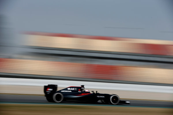 Circuit de Catalunya, Barcelona, Spain Monday 22 February 2016. Jenson Button, McLaren MP4-31 Honda. World Copyright: Glenn Dunbar/LAT Photographic ref: Digital Image _89P4180