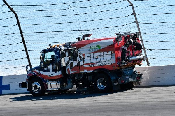Monster Energy NASCAR Cup Series Overton?s 400 Pocono Raceway, Long Pond, PA USA Sunday 30 July 2017 Elgin Sweeper World Copyright: John K Harrelson LAT Images