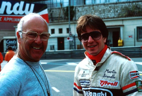 (L to R): Murray Walker (GBR) BBC Television Commentator with Martin Brundle (GBR) Tyrrell.