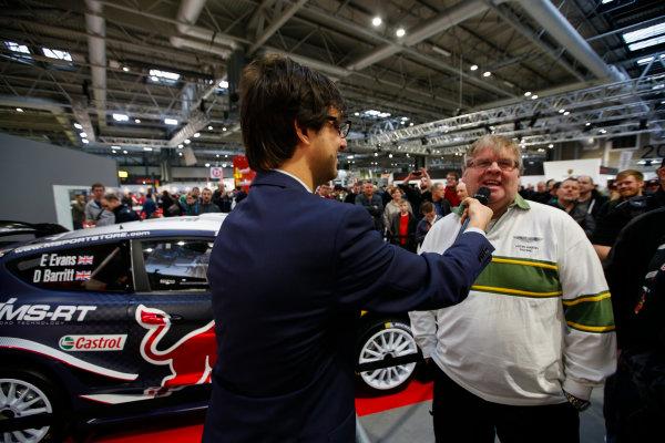 Autosport International Exhibition. National Exhibition Centre, Birmingham, UK. Sunday 14th January 2018. Simon Grayson holds a microphone for a fan.World Copyright: Joe Portlock/LAT Images Ref: _L5R0430