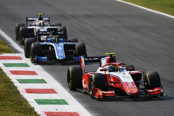 Oscar Piastri (AUS, Prema Racing), leads Guanyu Zhou (CHN, Uni-Virtuosi Racing), and Ralph Boschung (CHE, Campos Racing)
