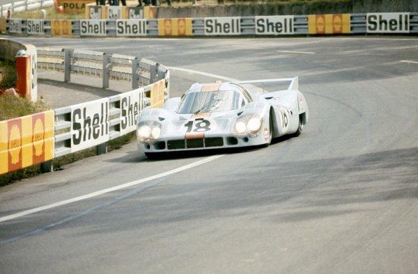 1971 Le Mans 24 hours. Le Mans, France. 12-13 June 1971. Pedro Rodriguez/Jackie Oliver (Porsche 917LH), retired. World Copyright: LAT Photographic Ref: 71LM32