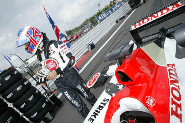 2003 European Grand Prix - Sunday RaceNurburgring, Germany.29th June 2003.Jenson Button, B-A-R Honda 005, on the grid.World Copyright LAT Photographic.Digital Image Only.