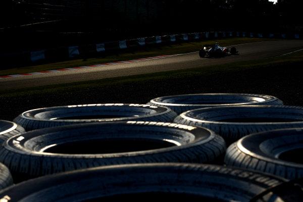 Suzuka Circuit, Suzuka, Japan.7th October 2011.Kamui Kobayashi, Sauber C30 Ferrari. Action. World Copyright: Andy Hone/LAT Photographicref: Digital Image CSP24126