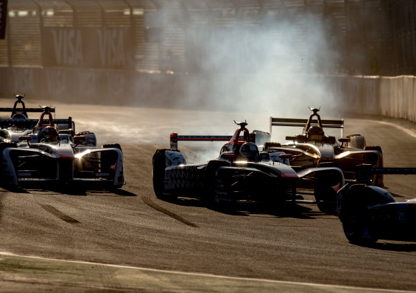 2016/2017 FIA Formula E Championship. Marrakesh ePrix, Circuit International Automobile Moulay El Hassan, Marrakesh, Morocco. Saturday 12 November 2016. Loic Duval (FRA), Dragon Racing, Spark-Penske, Penske 701-EV at the start of the race. Photo: Zak Mauger/Jaguar Racing ref: Digital Image _X0W6101