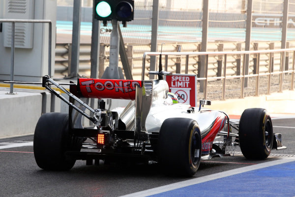 Oliver Turvey (GBR) McLaren MP4-27 test driver with sensors. Formula One Young Drivers Test, Day Three, Yas Marina Circuit, Abu Dhabi, UAE, Thursday 8 November 2012.