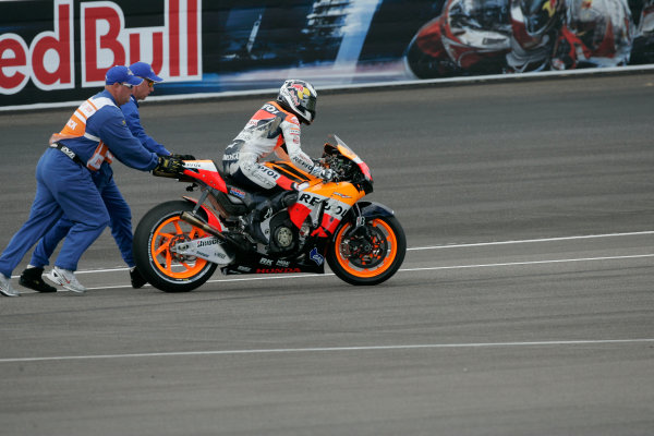 Indianapolis Grand Prix, Indianapolis, USA.28th - 30th August 2009.Dani Pedrosa Repsol Honda Team restarts after crashing out of the lead of the race.World Copyright: Martin Heath/LAT Photographic ref: Digital Image _D7P8270