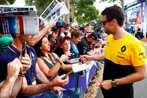 Albert Park, Melbourne, Australia. Sunday 26 March 2017. Jolyon Palmer, Renault Sport F1.  World Copyright: Sam Bloxham/LAT Images ref: Digital Image _W6I3455