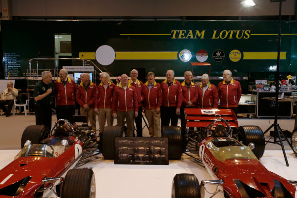 Autosport International Exhibition. National Exhibition Centre, Birmingham, UK. Thursday 12 January 2017. Former Team Lotus staff, including Herbie Blash and Clive Chapman, gather behind the Lotus 49 display. World Copyright: Joe Portlock/LAT Photographic. Ref: _14P1780