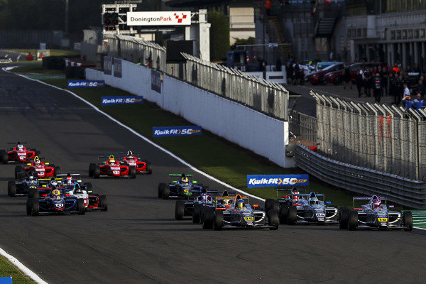 Start of Race 1, Matthew Rees (GBR) JHR Developments British F4 leads