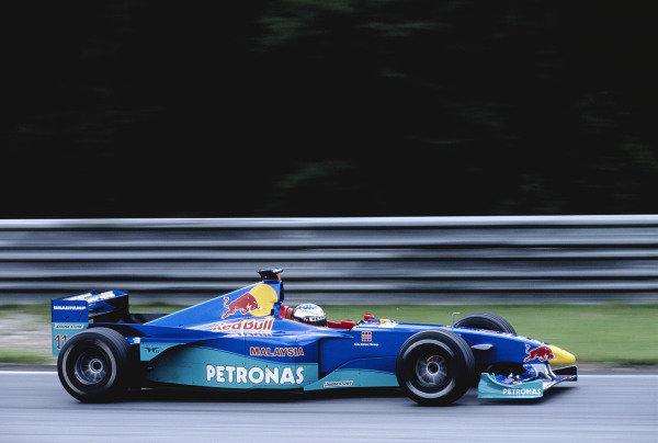 1999 Austrian Grand Prix.A1-Ring, Zeltweg, Austria. 23-25 July 1999.Jean Alesi (Sauber C18 Petronas).Ref-99 AUT 86.World Copyright - Gavin Lawrence/LAT Photographic