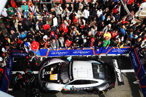 #77 Porsche 911 RSR / DEMPSEY - PROTON RACING / Christian Ried / Riccardo Pera / Matteo Cairoli