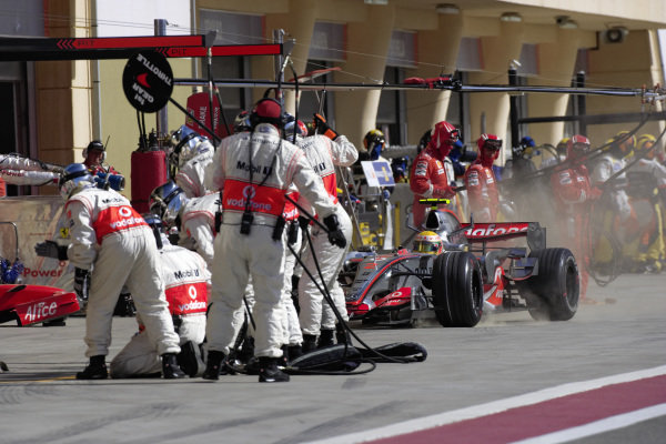 Lewis Hamilton, McLaren MP4-22 Mercedes comes in for a pitstop.