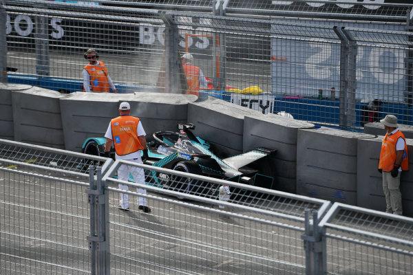 Marshals attend after Sam Bird (GBR), Jaguar Racing, Jaguar I-TYPE 5, crashes out in FP1