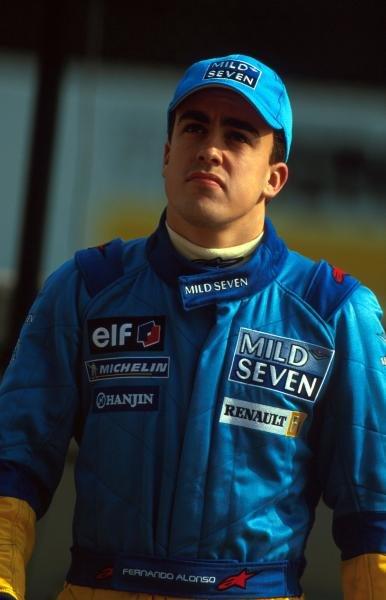 Fernando Alonso (ESP) Renault Test Driver.Formula One Testing, Barcelona, Spain, 27-31 January 2002.