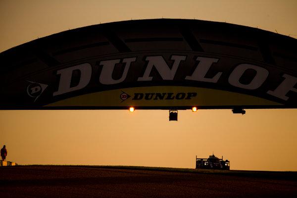 2016 Le Mans 24 Hours. Circuit de la Sarthe, Le Mans, France. Saturday 18 June 2016. Porsche Team / Porsche 919 Hybrid - Timo Bernhard (DEU), Mark Webber (AUS), Brendon Hartley (NZL). World Copyright: Zak Mauger/LAT Photographic ref: Digital Image _79P7604