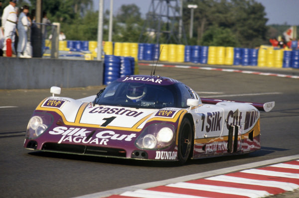 Le Mans, France. 11th - 12th June 1988 Martin Brundle/John Nielsen (Jaguar XJR - 9LM) retired, action. World Copyright: LAT Photographic Ref: 88LM72.