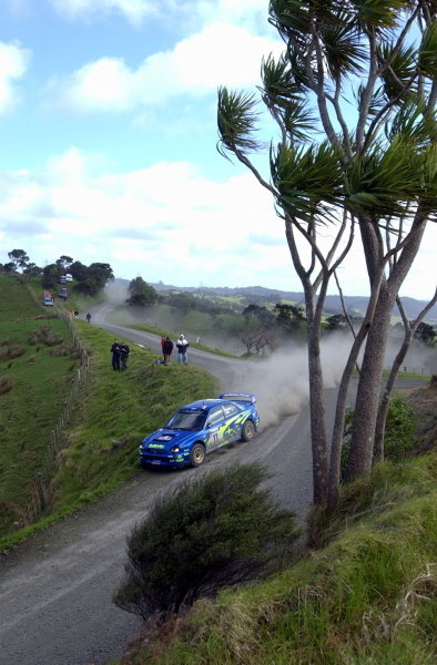 Petter Solberg (NOR) / Phil Mills (GBR) Subaru Impreza WRC 2002.