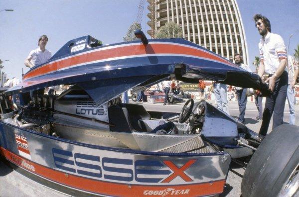 1980 United States Grand Prix West.Long Beach, California, USA. 28-30 March 1980.Mario Andretti (Lotus 81-Ford Cosworth), retired. Bodywork, monocoque.World Copyright: LAT PhotographicRef: 35mm transparency 80LB30