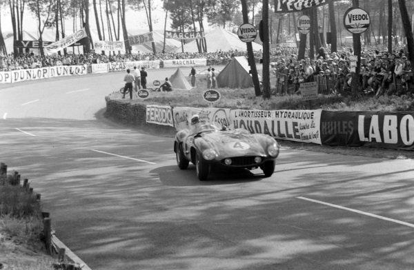 Eugenio Castellotti / Count Paolo Marzotto, Scuderia Ferrari, Ferrari 121 LM.