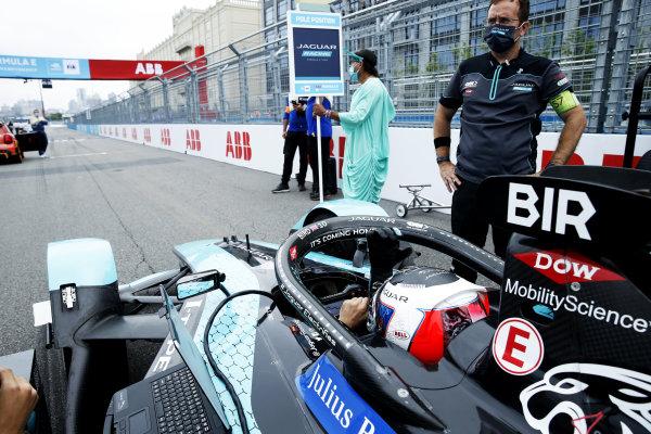 Sam Bird (GBR), Jaguar Racing, Jaguar I-TYPE 5, on the grid ready for the start