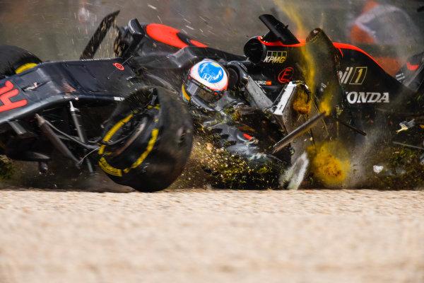Fernando Alonso (ESP) McLaren MP4-31 crashes at Formula One World Championship, Rd1, Australian Grand Prix, Race, Albert Park, Melbourne, Australia, Sunday 20 March 2016. BEST IMAGE