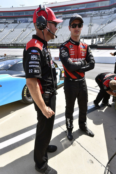 #22: Joey Logano, Team Penske, Ford Mustang Snap on and Andrew Overstreet