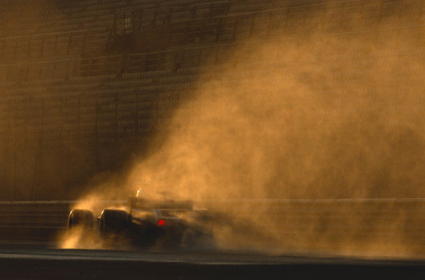 2002 Formula One Testing.Valencia, Spain. 14-18 January 2002.A Jaguar R3 in the spray.A Race Through Time exhibition number 109.World Copyright - Lorenzo Bellanca/LAT Photographic