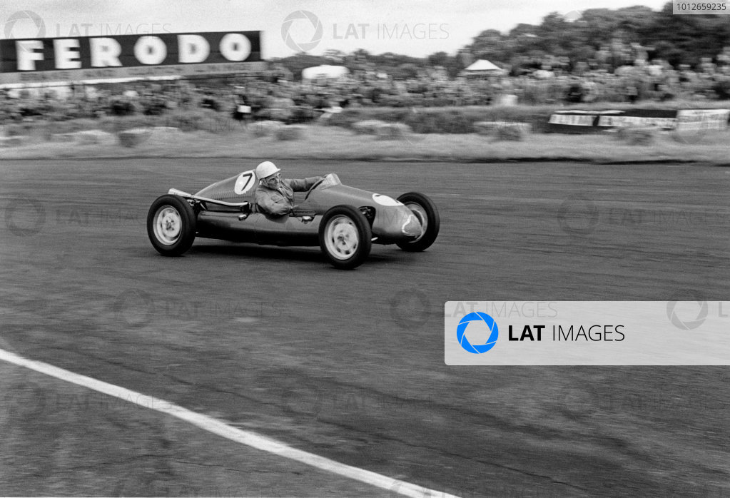 Silverstone, England. 18th July 1953.Stirling Moss (Cooper-Norton 500 MkVII), 1st position in the 500cc race, action.World Copyright: LAT PhotographicRef: 5073 - 29