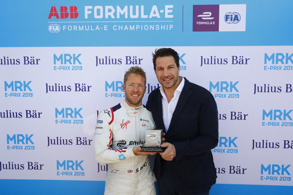 Sam Bird (GBR), Envision Virgin Racing, is presented with the Pole Position award