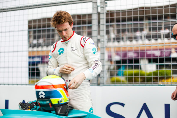 Oliver Turvey (GBR), NIO Formula E Team, NIO Sport 004, gets ready on the grid