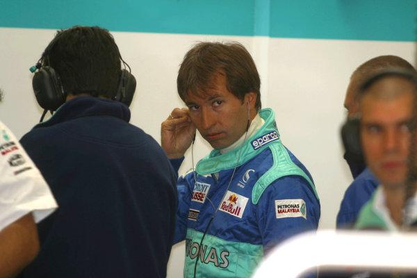 2002 Formula One TestingSilverstone, England. 19th September 2002.Heinz Harald Frentzen, Sauber Petronas C21, portrait.World Copyright: Malcolm Griffiths/LAT Photographicref: Digital Image Only