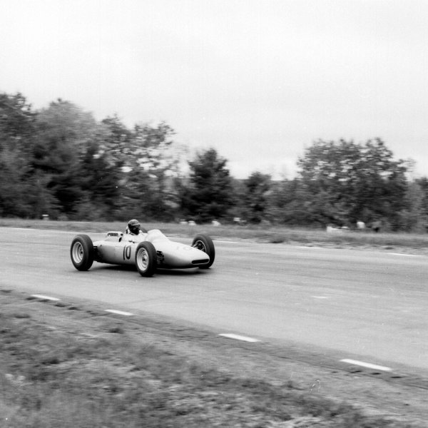 1962 United States Grand Prix.Watkins Glen, New York, USA.5-7 October 1962.Dan Gurney (Porsche 804) 5th position.Ref-16106.World Copyright - LAT Photographic