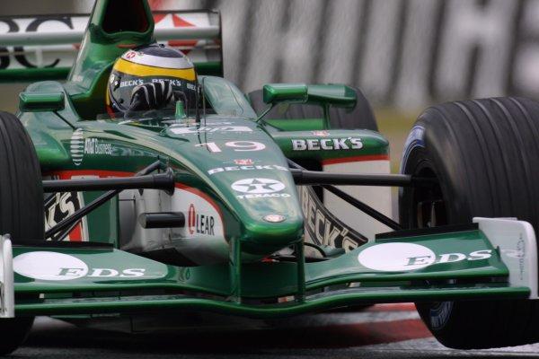 2001 Japanese Grand Prix - Friday / PracticeSuzuka, Japan. 20th October 2001.Pedro de la Rosa (Jaguar).World Copyright - LAT Photographicref: 8 9 MB Digital