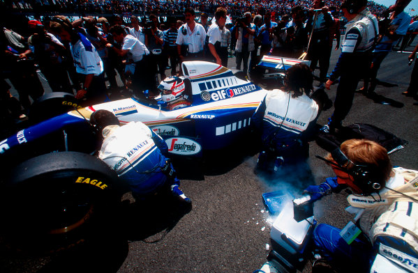 1994 French Grand Prix.Magny-Cours, France.30/6-2/7 1994.Nigel Mansell (Williams FW16 Renault). He exited the race after his transmission's hydraulic pump failed.Ref-94 FRA 04.World Copyright - LAT Photographic