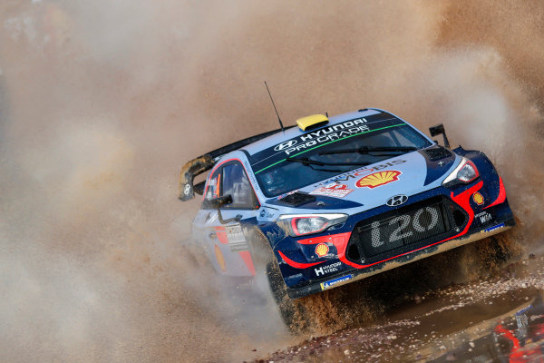 Andreas Mikkelsen in the watersplash of SS1 on Rally d'Italia Sardinia