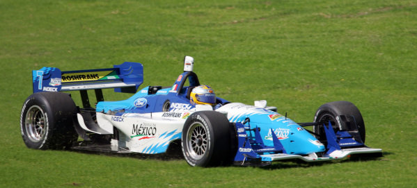 Mario Dominguez (MEX), Forsythe Championship Racing Lola Ford Cosworth, takes an off track excursion. Champ Car World Series, Rd3, Tecate Grand Prix, Fundidora Park, Monterrey, Mexico, 19-21 May 2006. DIGITAL IMAGE