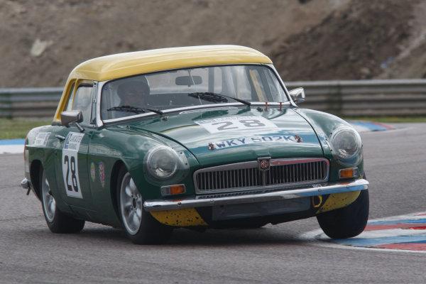 2014 MG Owners Club Championship, Thruxton, England. 16-17 August 2014. Chris Pollard (GBR) MG B Roadster. World Copyright: Ebrey / LAT Photographic.