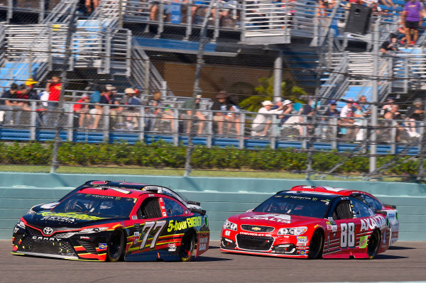 Monster Energy NASCAR Cup Series Ford EcoBoost 400 Homestead-Miami Speedway, Homestead, FL USA Sunday 19 November 2017 Erik Jones, Furniture Row Racing, 5-hour ENERGY Extra Strength Toyota Camry and Dale Earnhardt Jr, Hendrick Motorsports, Axalta Chevrolet SS World Copyright: Nigel Kinrade LAT Images