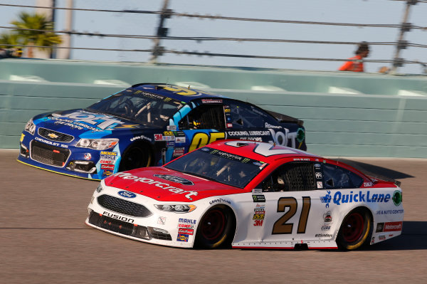 Monster Energy NASCAR Cup Series Ford EcoBoost 400 Homestead-Miami Speedway, Homestead, FL USA Sunday 19 November 2017 Ryan Blaney, Wood Brothers Racing, Motorcraft/Quick Lane Tire & Auto Center Ford Fusion Michael McDowell, Leavine Family Racing, Chevrolet SS World Copyright: Matthew T. Thacker LAT Images