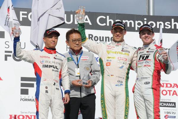 2017 Japanese Super Formula. Okayama, Japan. 27th - 28th May 2017. Rd 2. Race 1 Winner Andre Lotterer ( #36 VANTELIN KOWA TOM?S SF14 ) 2nd position Yuhi Sekiguchi ( #19 ITOCHU ENEX TEAM IMPUL SF14 ) 3rd position Nick Cassidy ( #3 FUJI KONDO SF14 ) podium portrait  World Copyright: Yasushi Ishihara / LAT Images. Ref: 2017SF_Rd2_Race1_008